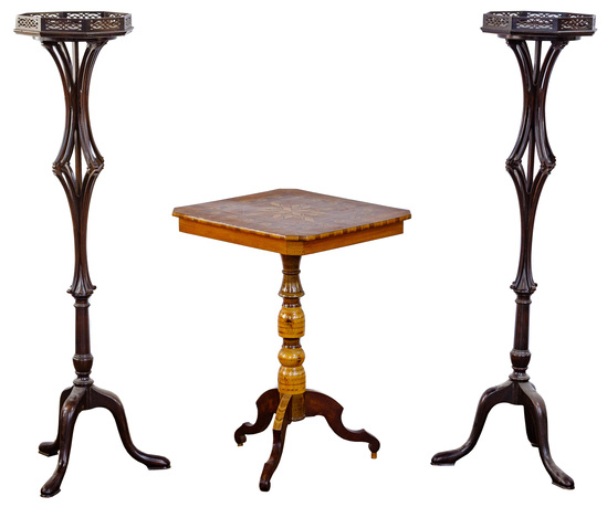 Stella Variata Italian Chess Table and Cowan Chicago Fern Stands