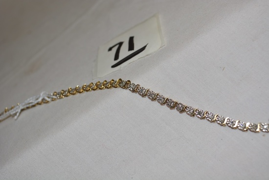 ESTATE 10K GOLD AND DIAMOND TENNIS BRACELET