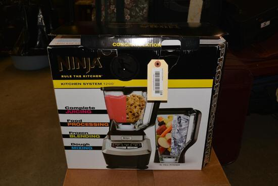 NEW IN BOX NINJA Kitchen System 1200