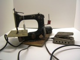 Singer Small Vintage Sewing Machine