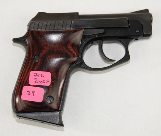 Taurus - Model:PT-22 - .22- pistol