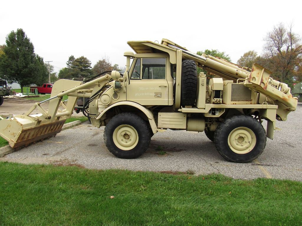 1990 FLU 419 Excavator