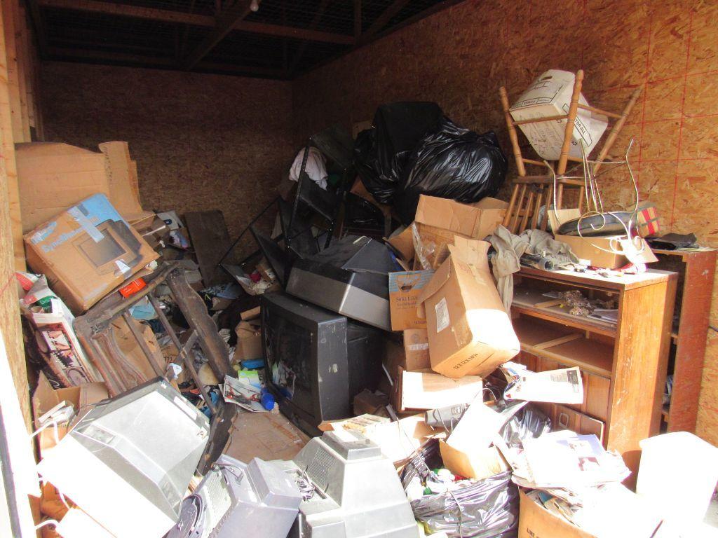 Contents of Storage unit D15 - Auburn Indiana