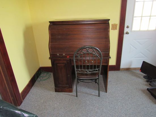 Rolltop Desk & Chair