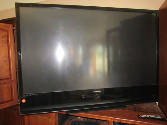 """Samsung 60"""" Flat Panel Projection Television (need repair)"""
