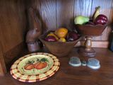 Wooden bowls and decorative pieces