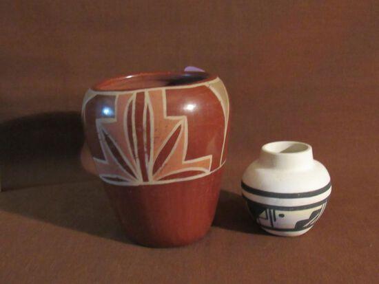 2 clay pots