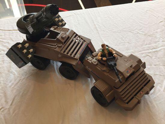G.I. Joe Mean Dog and G.I. Joe S.L.A.M. (Strategic Long-Range Artillery)