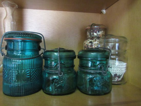 Small jars with bails