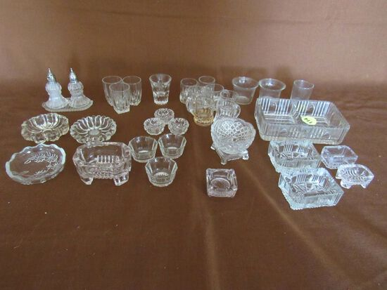 Tiny glass dishes