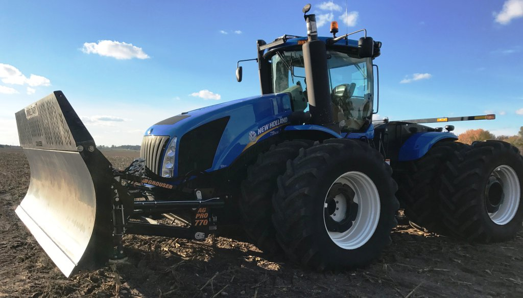 2014 NH T9-615 4WD Tractor