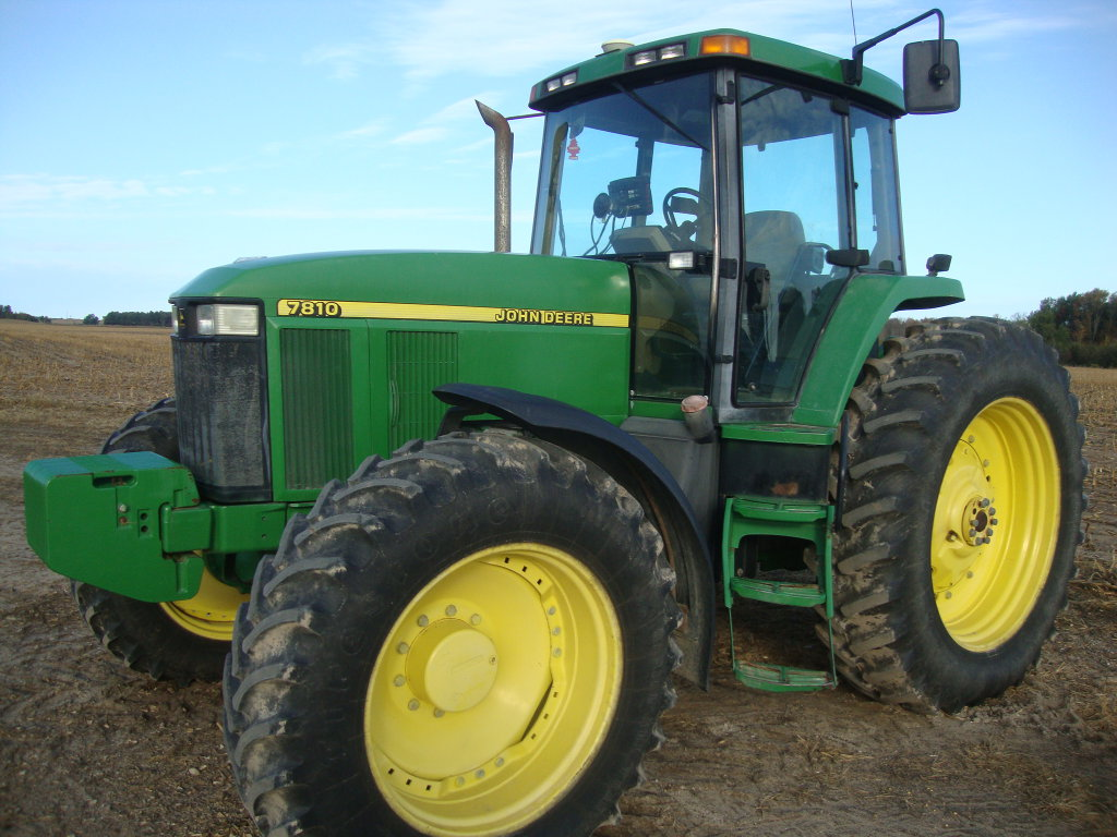 2002 JD 7810 MFWD Tractor