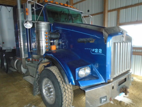 2000 KW T-800 T/A ROAD TRACTOR