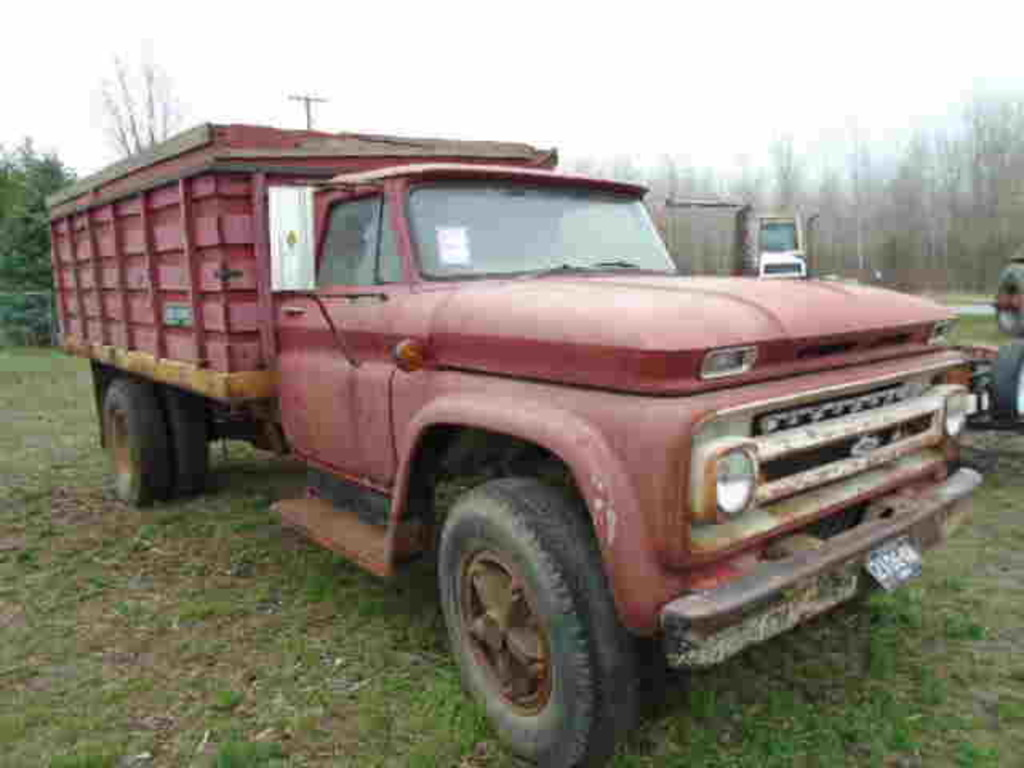 *1964 CHEVY 50 S/A GRAIN TRUCK