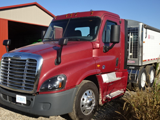 2016 FREIGHTLINER CASCADIA EVOLUTION ROAD TRACTOR