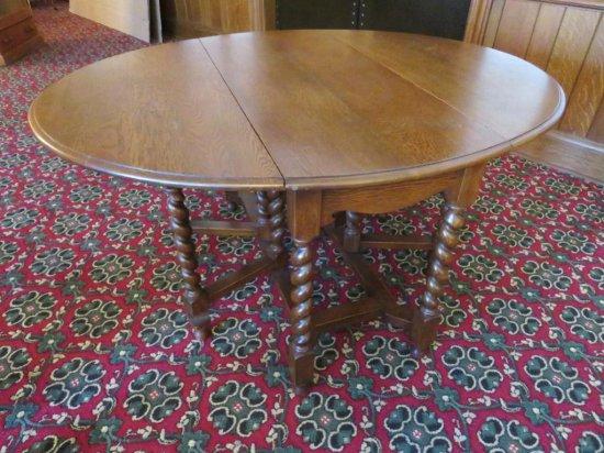 Lovely oak barley twist gateleg table