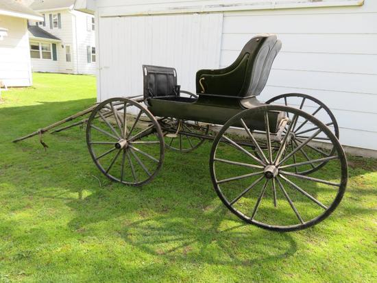 Nice Horse drawn Buggy with three fills, two seater