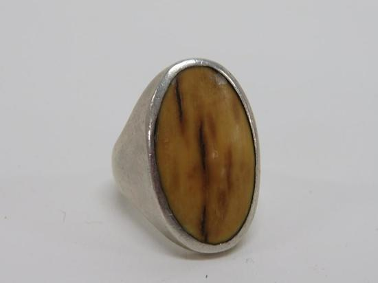Sterling Ring with stone inset - size 7