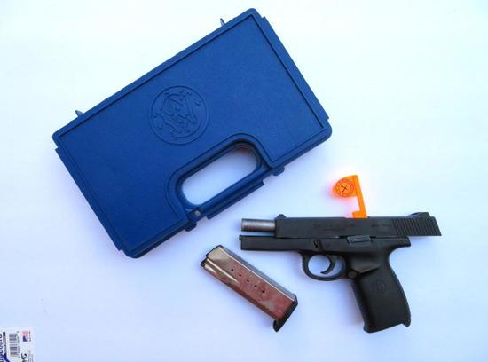 Smith & Wesson Model SW40F, pistol