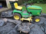 John Deere Riding Lawnmower GT 235 with bagger