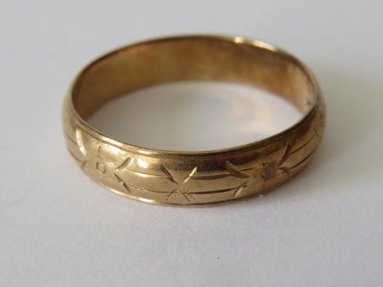14 kt gold band
