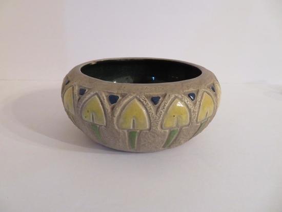"""Mostique Roseville bowl,7"""" diameter, Arts and Crafts Design"""