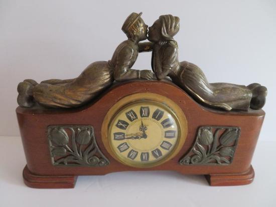 Mercedes Dutch Kissing Clock
