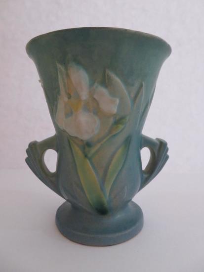 """Roseville Iris 4"""" Vase, blue, 914-4"""