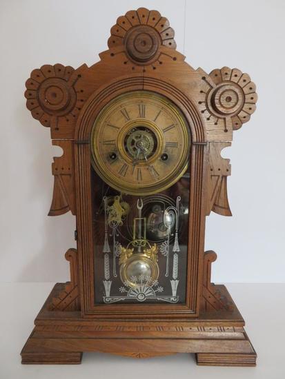 "Ornate Wood carved mantle clock, 18"""