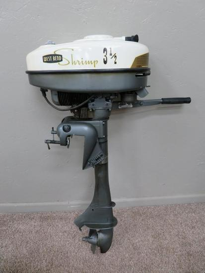 West Bend Shrimp 3 1/2 Hp outboard Motor with manual