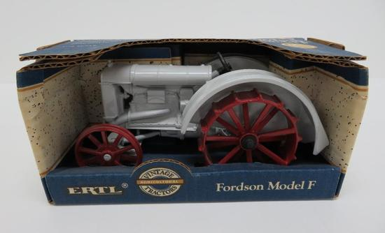 Special Edition Fordson Model F Tractor is box, Ertl, Vintage Tractors