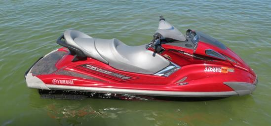 2009 Yamaha FX Cruiser SHO wave runner, 1-3 person capacity
