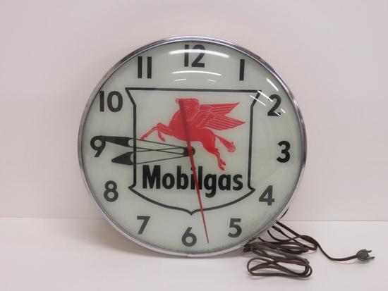 """Great Mobilgas clock, June 1956, working, 14 1/2"""" diameter"""