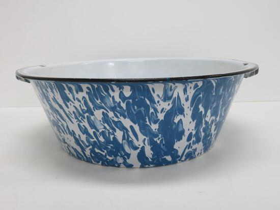 "Large blue and white swirl enamelware handled basin, 17"" diameter"