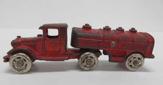 "Great antique cast iron Gasoline Motor Oil Tanker truck, 7"""