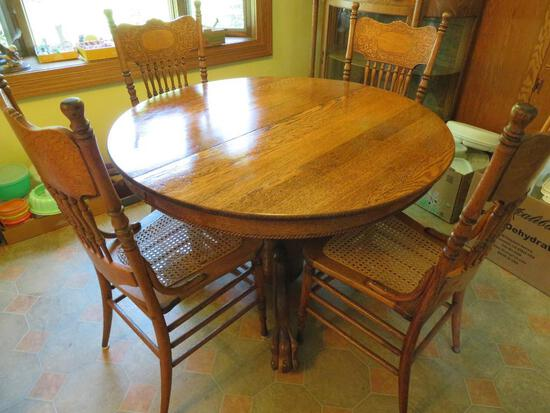 """Round Oak Table with large clawfeet, three leaves, 45"""", extended 74"""""""
