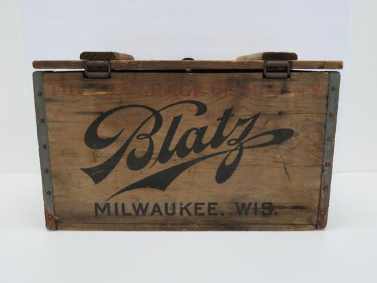 Wooden Blatz box, Milwaukee Wis, 2 Doz small bottle box