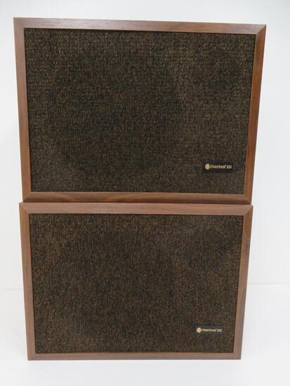 Pair of Vintage Criterion 222 book shelf speakers