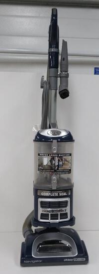 Shark Navigator Lift Away vacuum, working