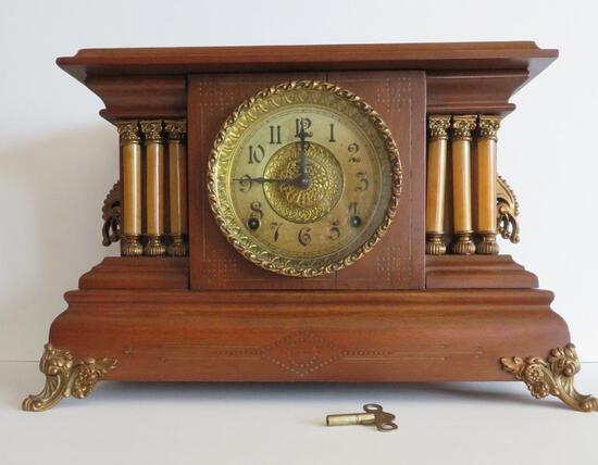 Column mantle clock
