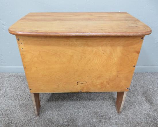 "Loom bench, 24"" x 14"", hinge top, 22"" tall"