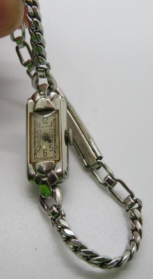 Waltham Art Deco style wrist watch, case marked 14 kt, 17 jewel
