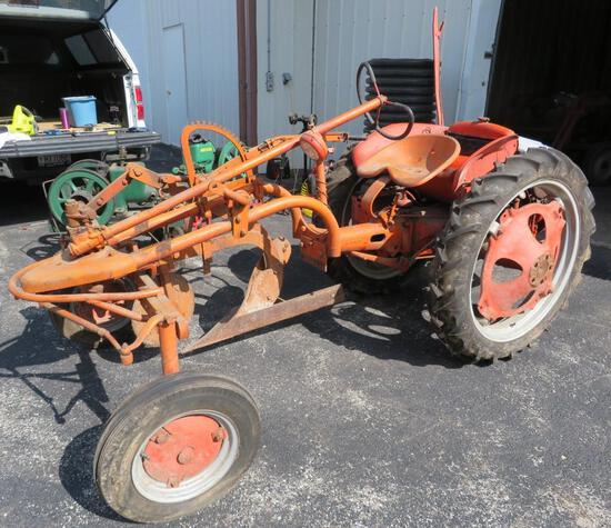 Allis Chalmers Model G tractor with instruction manuals, 3615-6