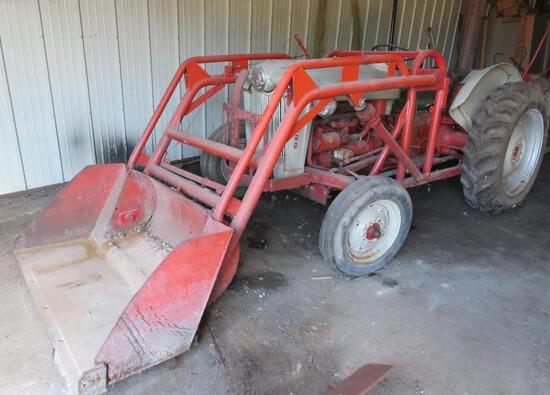 Ford Model 600 Tractor with trip bucket
