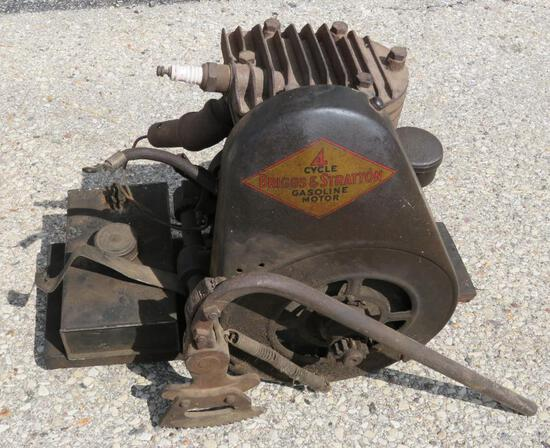 Briggs and Stratton 4 cycle motor with hand lever start, Model Y