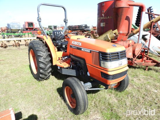 Kubota MX5000E Tractor, s/n 10209: Roll Bar, 3PH, PTO, 13.6-28 Rears, 701 h