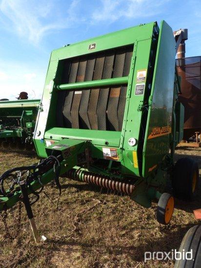 John Deere 567 Mega Wide Round Hay Baler, s/n E00567X158133