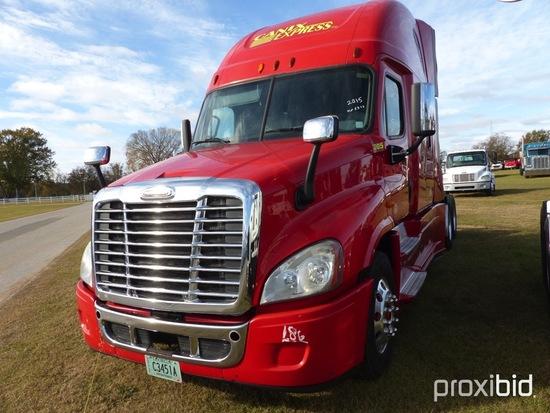 2015 Freightliner Cascadia Truck Tractor, s/n