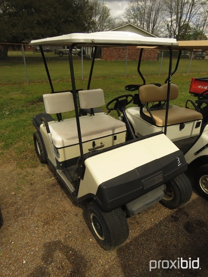 EZGo Electric Golf Cart, s/n 688056E2292 (No Title): 36-volt, Auto Charger