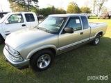 2000 Chevy S10 Pickup, s/n 1GCCS1945YK160992: 2-door, Odometer Shows 161K m